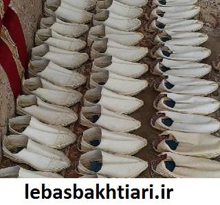 گیوه، کفش مردان بختیاری است که رویه آن از پنبه است-خرید لباس بختیاری مردانه، زنانه و بچه گانه محلی(فروش|ارسال رایگان)